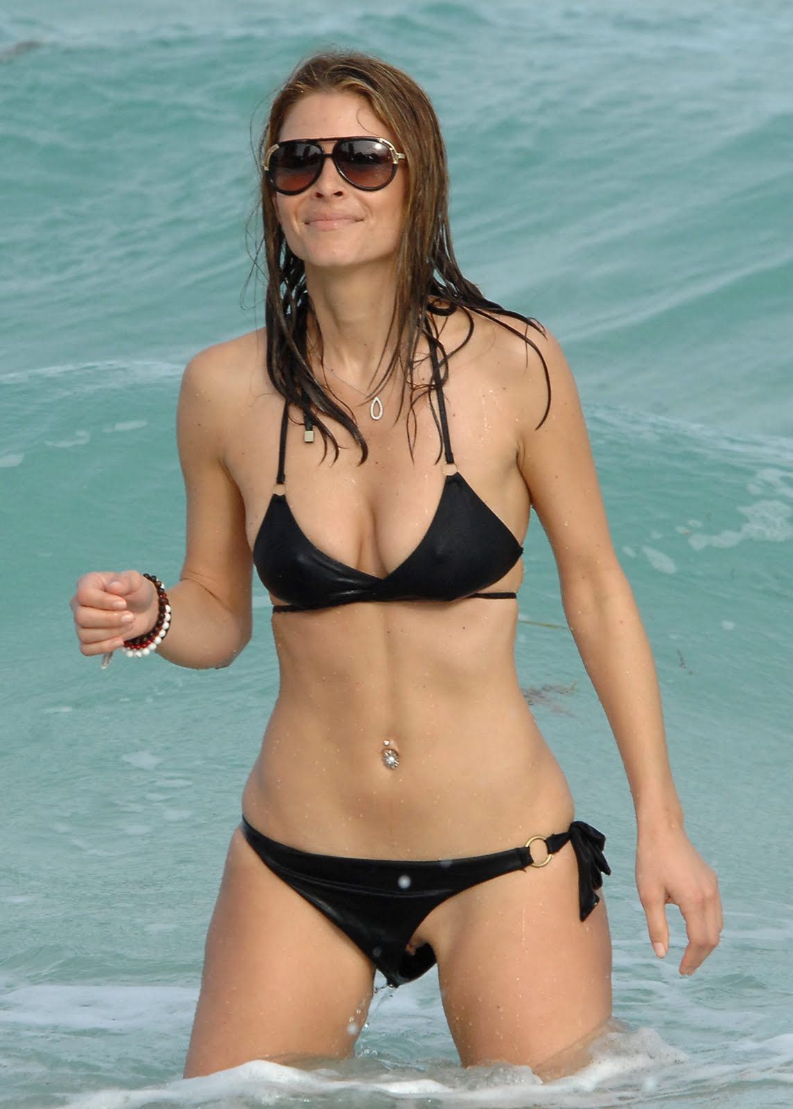 camel leather chair maria menounos bikini
