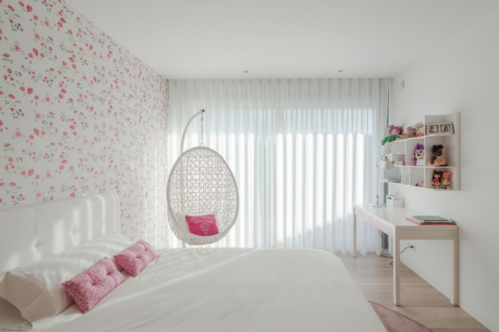 Chair For Teenage Woman Bed Room
