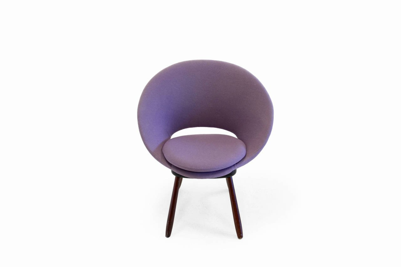 circle lounger chair