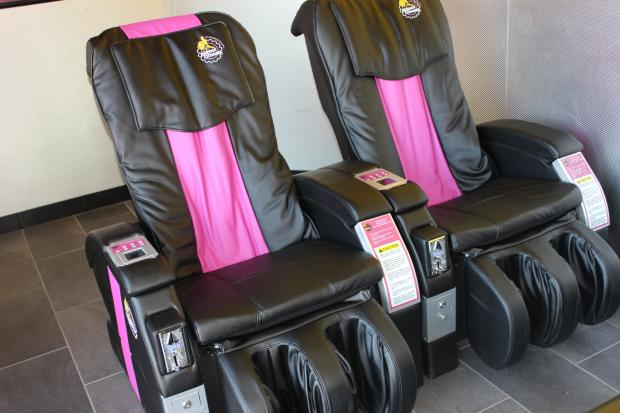 Wonderful Planet Health Therapeutic Massage Chair. Planet Fitness Massage Chair